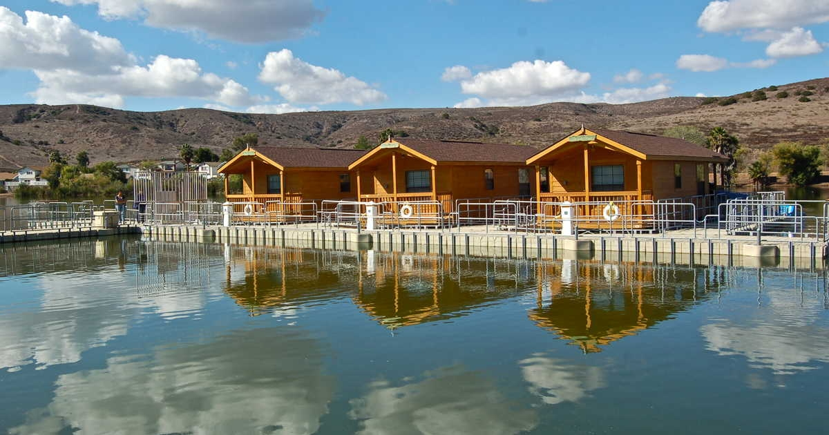 this floating lake cabin rental in california is the perfect Lake Cabin California