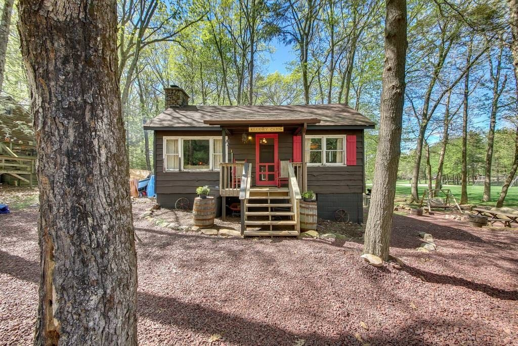 woodsy airbnb cabins near philadelphia to book now Lake Cabin Airbnb