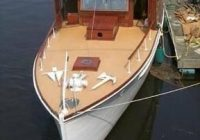 beautiful old wooden yachts yacht deck boat classic boats Beautiful Wood Sailboat Cabins