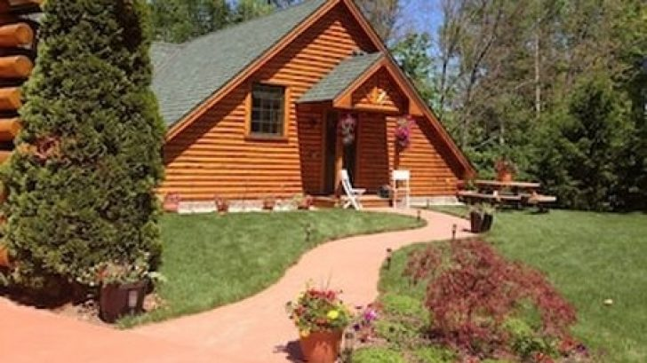 Permalink to Cozy Traverse City Cabins Gallery