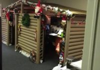 office cubicle gets transformed into cozy christmas cabin Office In Cabin Decorating