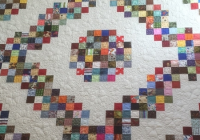turn 2 12 scraps into a log cabin block quilting cub Log Cabin Quilt Pattern Using 2 1/2 Inch Strips